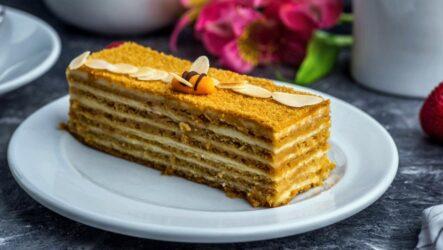 Медовые пирожные — 7 сладких фото-рецептов