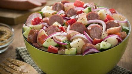 Салат из огурцов с колбасой — 10 простых фото-рецептов