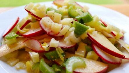Салат с сельдереем и яблоком — 8 легких рецептов