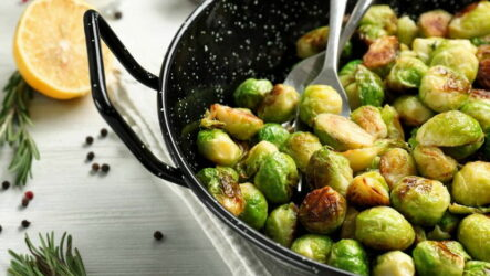 Брюссельская капуста на сковороде — 6 рецептов полезного угощения