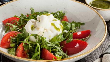 Салат с сыром буррато — 6 рецептов по-итальянски
